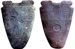 Ancient-Egyptian-art-the-Narmer-palette8